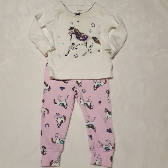fad6bb6e4f Carter s Other - Carter s 2 Piece 6 Horse Pajamas